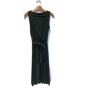 NWOT Banana Republic 100% silk Dress, Small, green